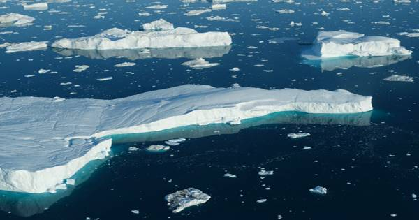 Canada's last intact ice sheet has suddenly broken